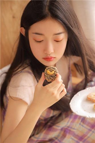 草莓榴莲向日葵18岁免费2
